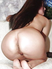 Featuring curvy figured ladies and great round asses