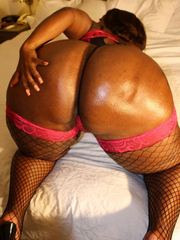 Supposing u love big round asses, pretty black babes, added to fantastic love bubbles we've the images you're waiting for.