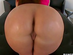 Ms. Paige Turnah -  Bubble hot goods of English Chick