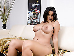 BIG TITS, ROUND ASSES episode: