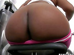 Bubble Huge nuisance -  we got Jessica Dawn, Julissa James running around shaking there big asses