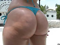 Big bums -  We brought in the air Alexis Texas and Phoenix Marie for some major ass pounding