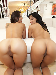 Phat cute backside, Rachel Starr and Abella Anderson shows us what ass shaking is all about about